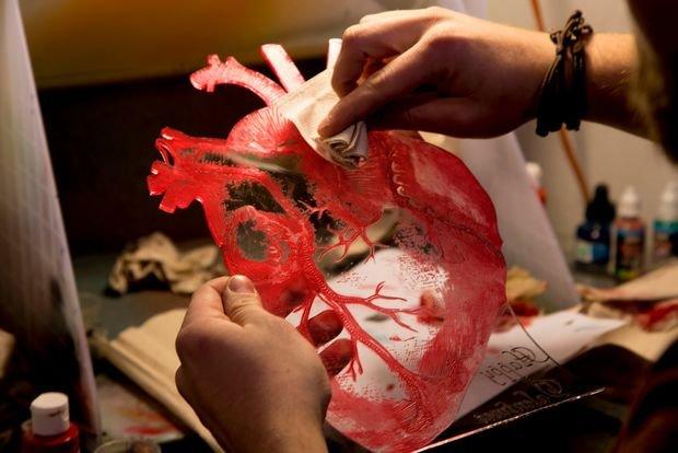 Ваза в форме анатомического сердца