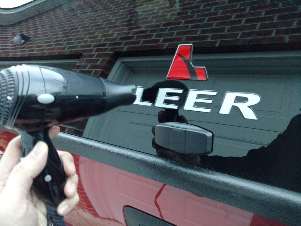 Как удалить наклейку с автомобиля своими руками