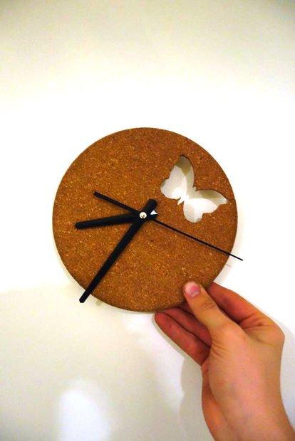 Часы из пробковой доски