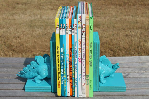 Подпорки для книг своими руками