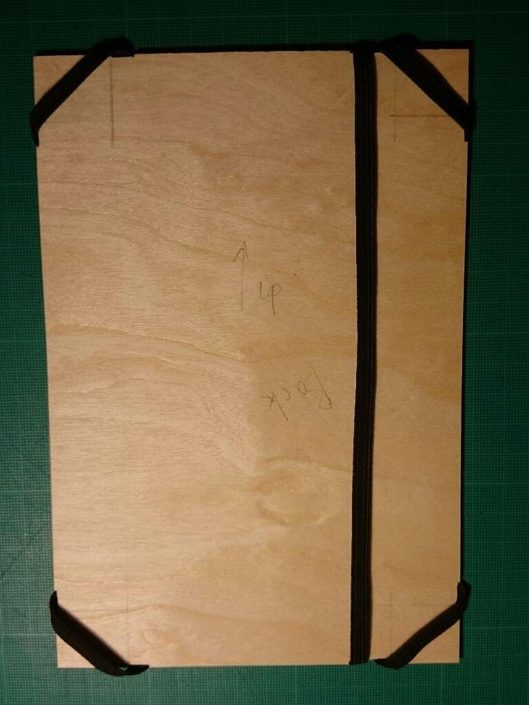 Кожаный чехол для планшета из старой куртки