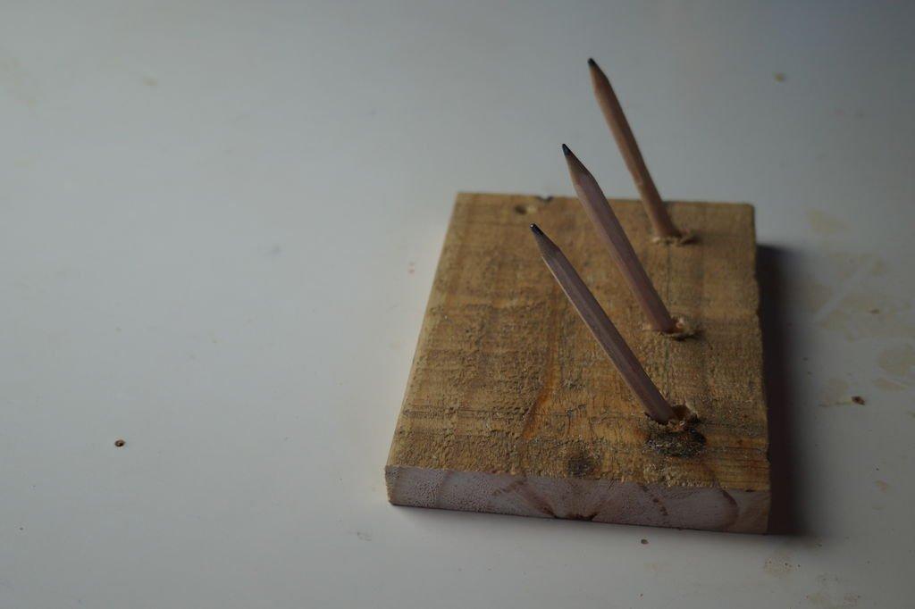 Ключница из карандашей в стиле рустик