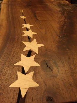 Деревянная столешница со звездами своими руками