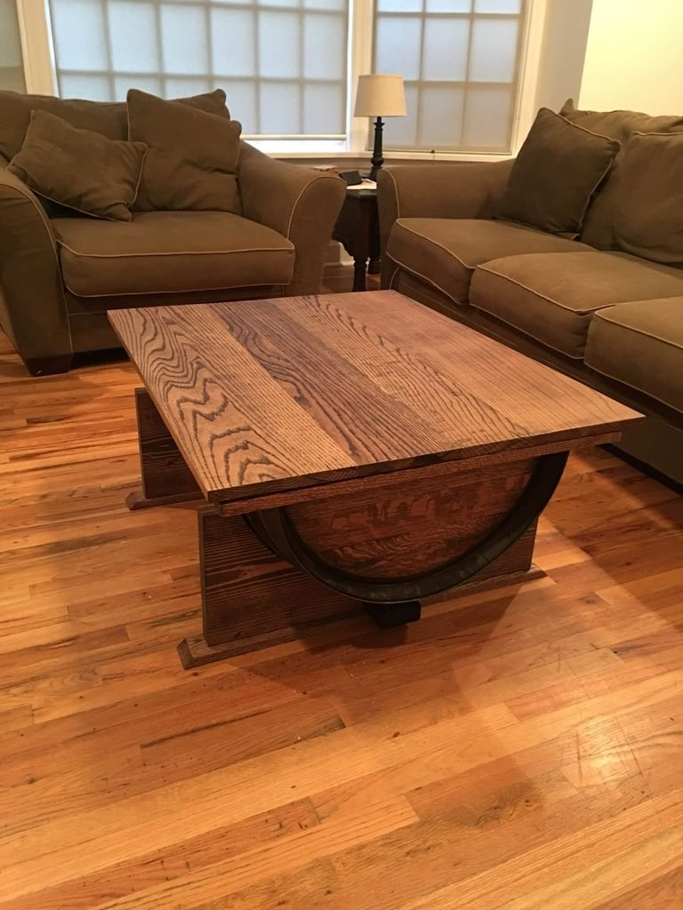 Журнальный столик из винной бочки