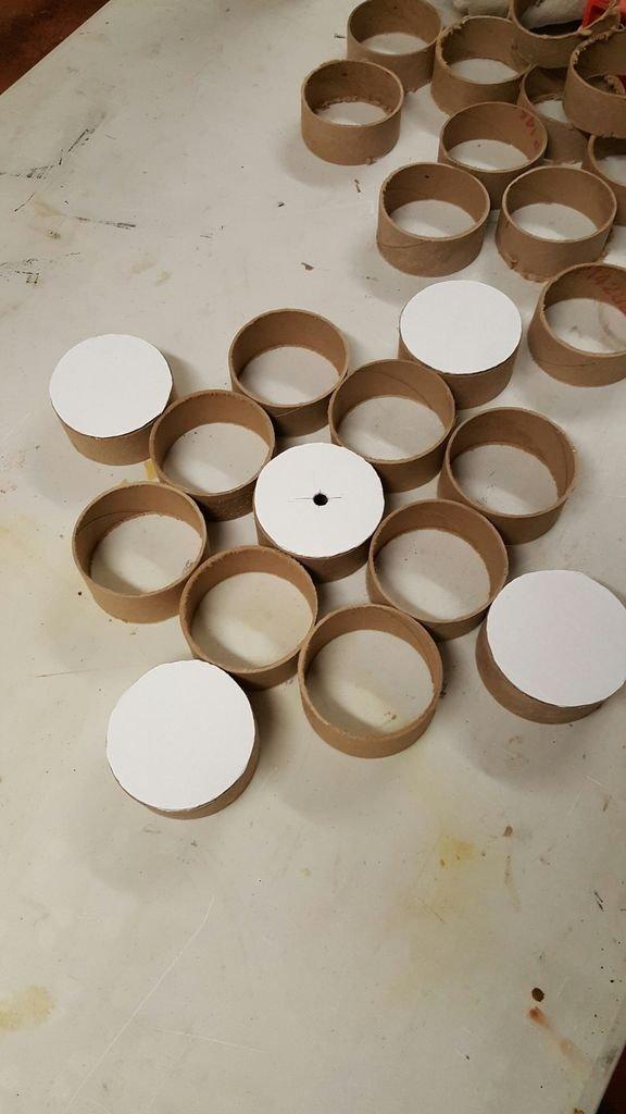 Настенные часы из картонных втулок своими руками