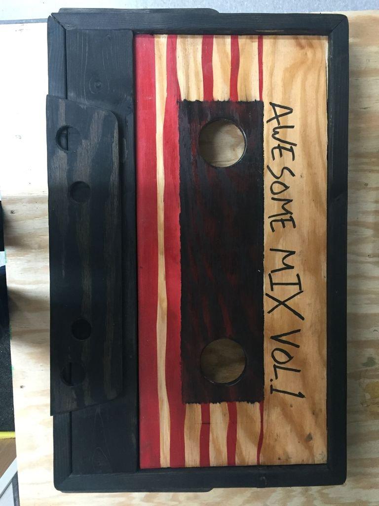 Журнальный столик в виде кассеты своими руками