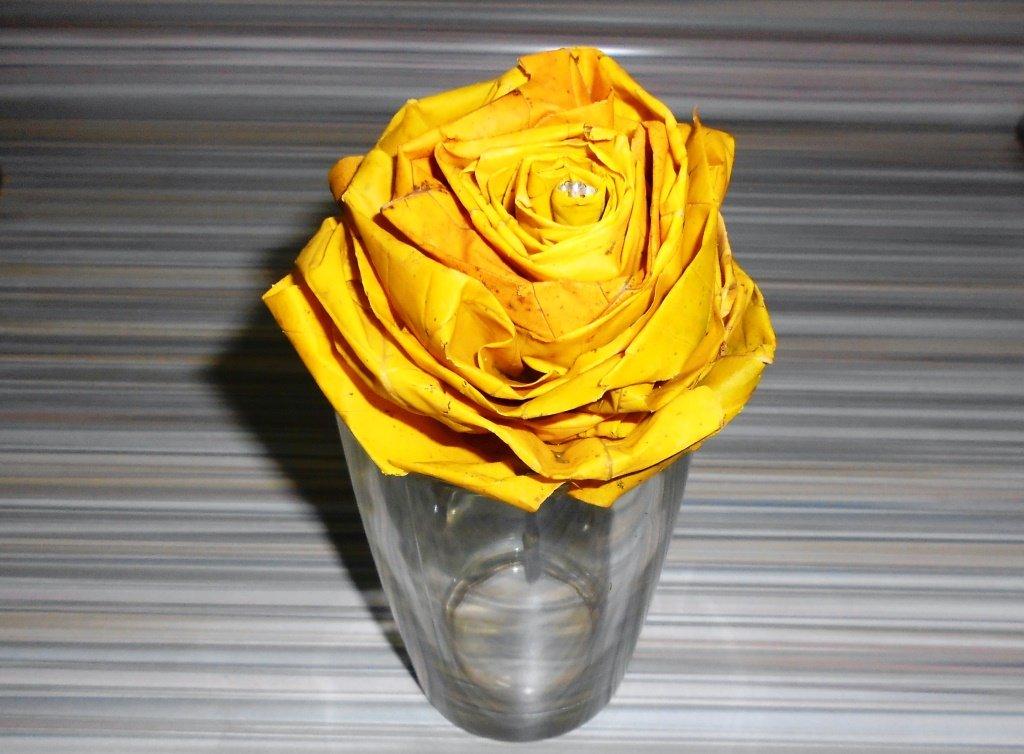 Роза из листьев Клена