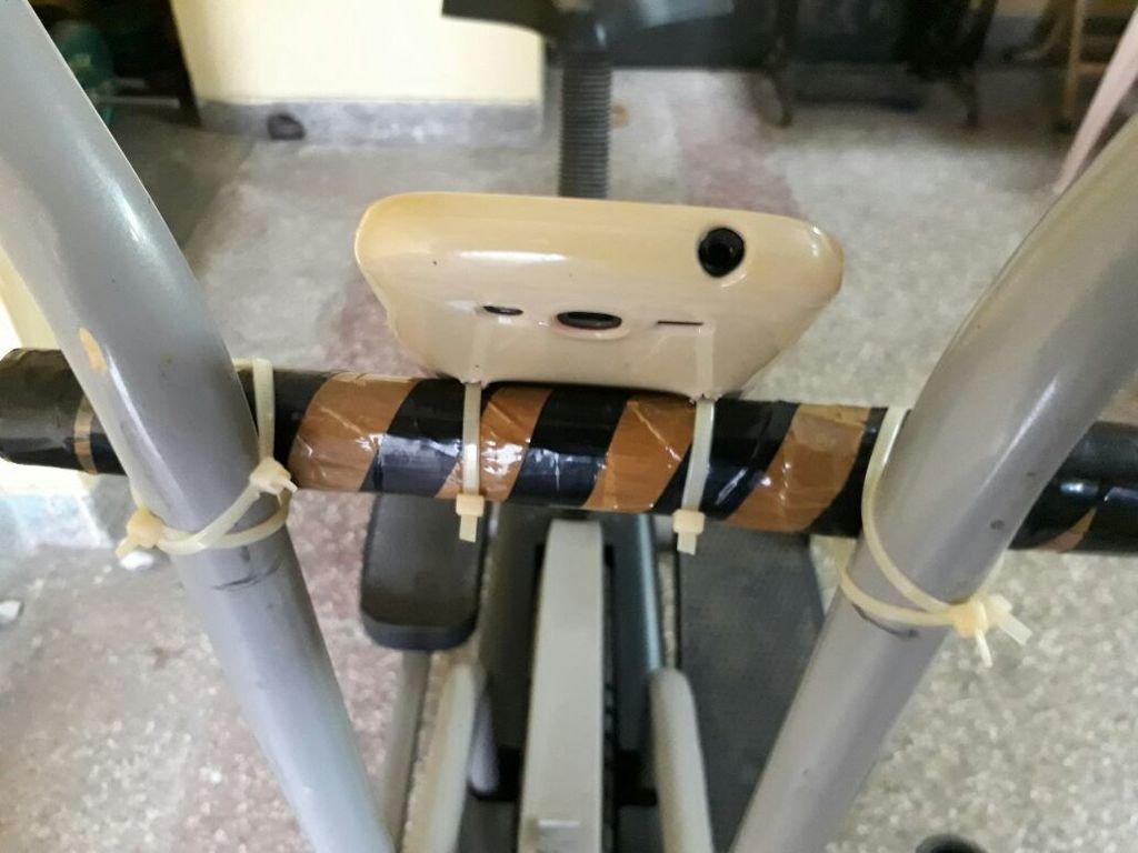 Держатель смартфона для велотренажера своими руками