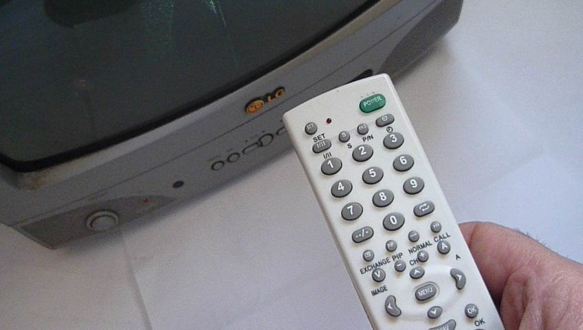 Поделка телевизор с пультом