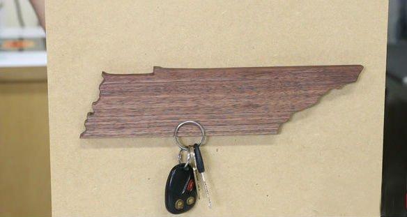 Настенная ключница на магнитах