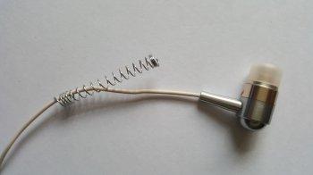 Как укрепить провод наушников