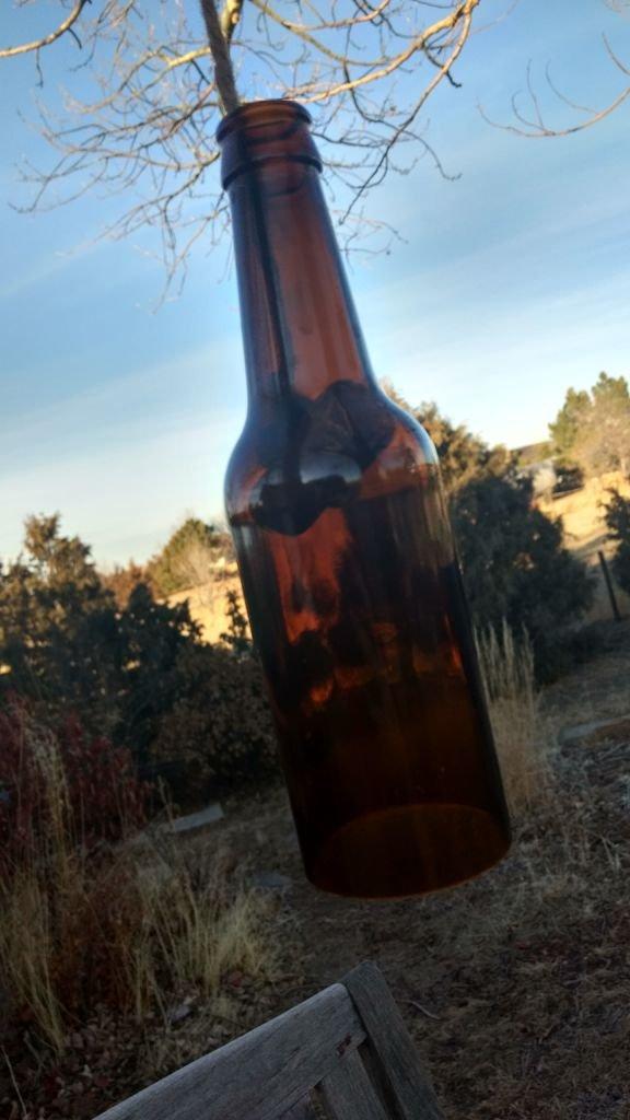 Декоративная люстра из бутылок своими руками