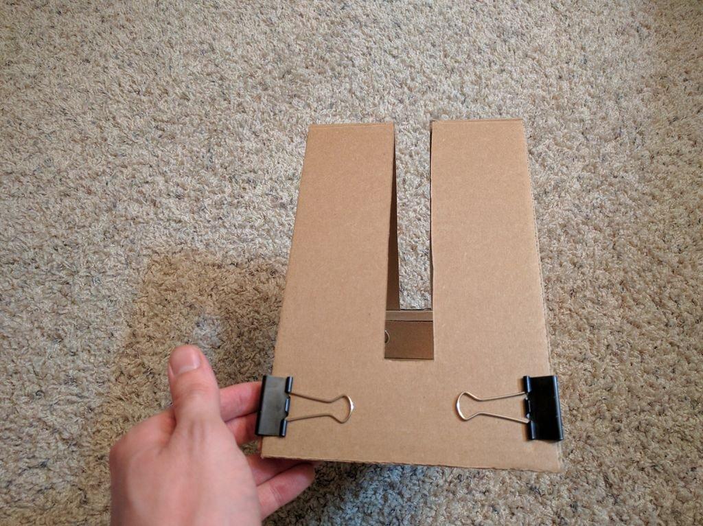 Подставка для планшета из картона