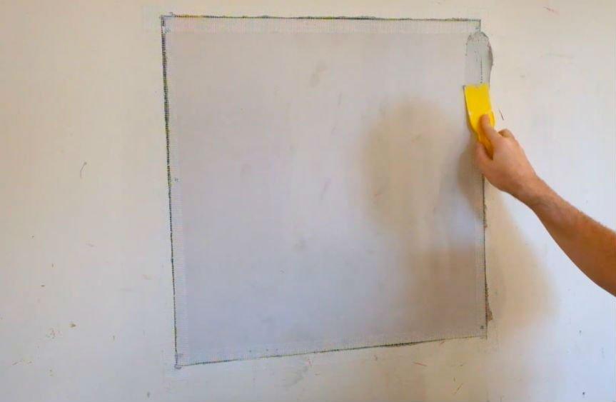 Дыра в гипсокартонной стене: как заделать