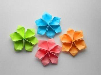 Самый простые цветы из бумаги