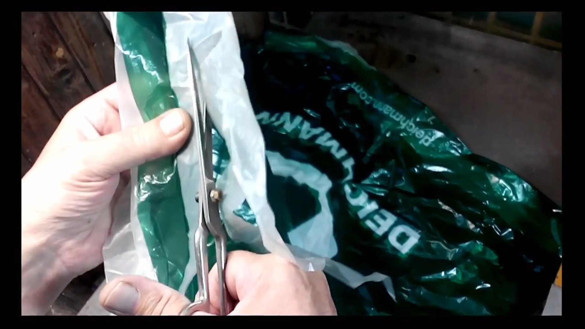 Вытяжка (вытяжной шкаф для покраски, пайки и других работ) своими руками