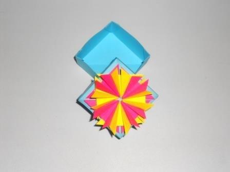 Оригами коробочка для подарка из бумаги
