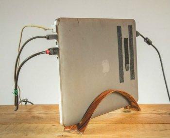 Подставка для ноутбука из шпона