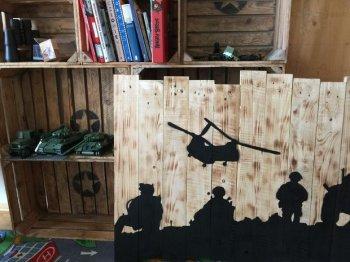 Декоративное панно в стиле милитари