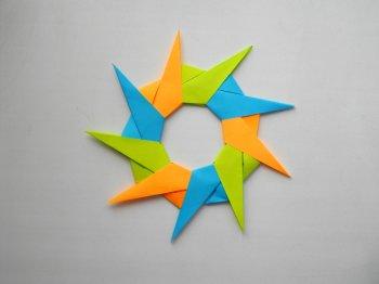 Звезда из бумаги. Новогоднее елочное украшение - оригами игрушка