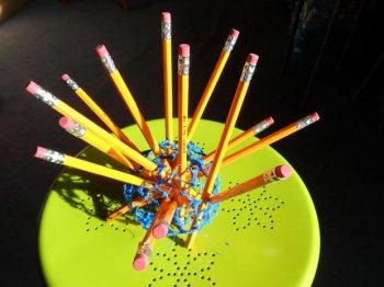 Подставка для карандашей из пластика своими руками