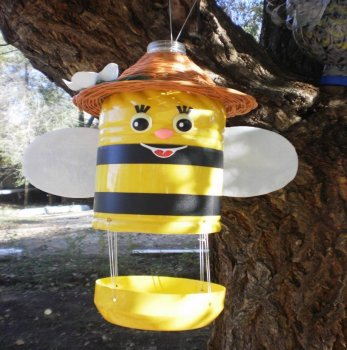 Кормушка-пчела