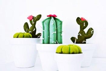 игольница в виде кактусов